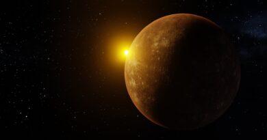 Full Moon and Mercury at its Maximum Elongation
