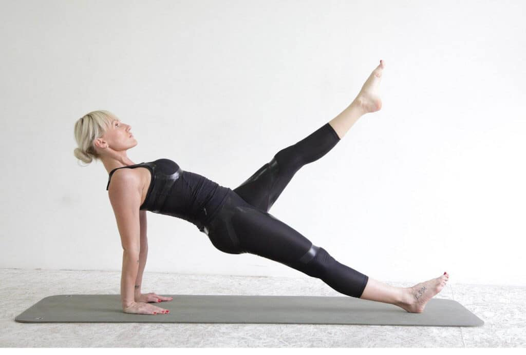 Steel Abdomen in 10 minutes - Beauty and Health - Exercises and Asanas - Dorian's Secrets: The Eternal Youth Magazine