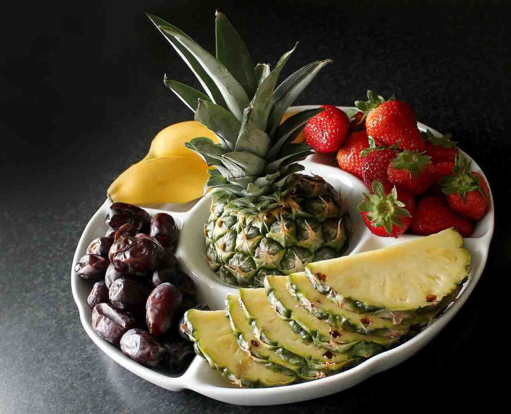 Fruits Pineapple - 7 Secrets on NO DIET Day: celebrating International No Diet Day - Beauty and Health - Diets - Dorian's Secrets - The Eternal Youth Magazine