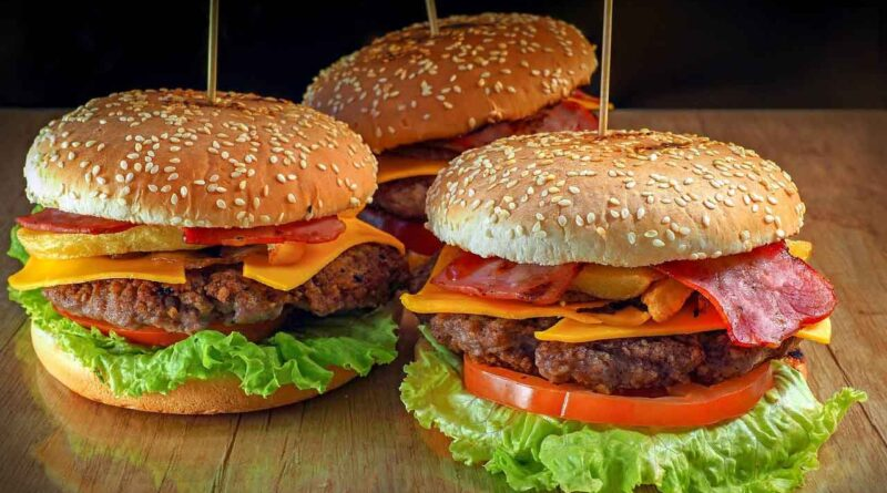 World Hamburger Day - May 28 - A Day as Today - Events and Curiosities - Dorian's Secrets: The Eternal Youth Magazine