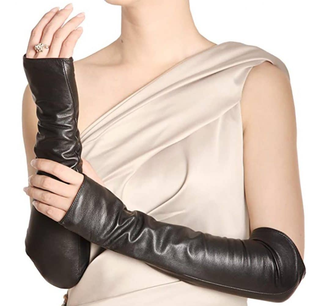 10 Fashion trends for Fall / Winter 2021-2022 - Trend #9: Mitten Sleeves - Dorian's Secrets: The Eternal Youth Magazine